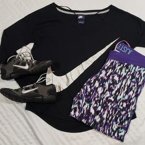 Nike Crops and Long Sleeve Top SIze Large